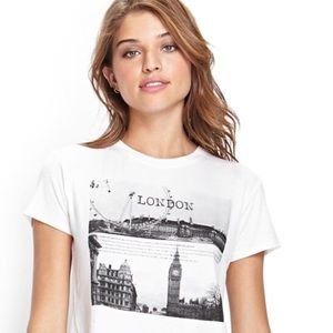 Forever 21 B&W London Graphic Cropped Tee